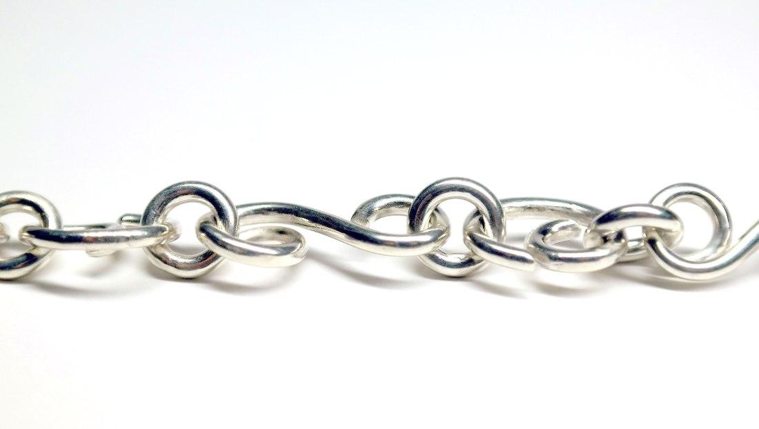 Silberkette mit geschwungenen Gliedern