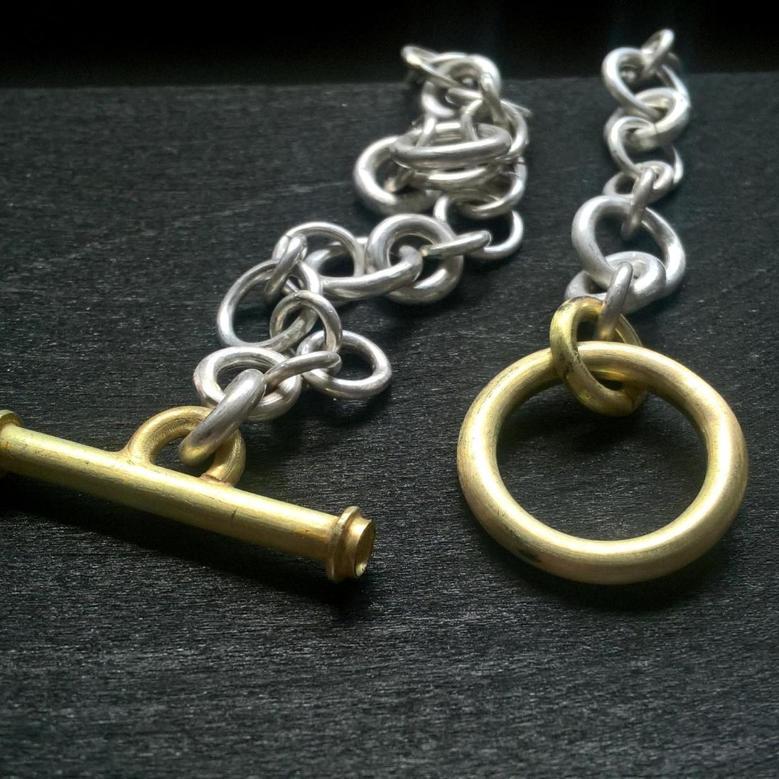 Handgefertigte Silberkette mit Knebelverschluss